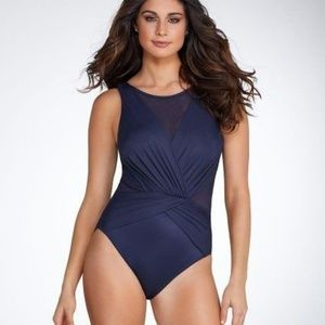 NWT Miracle Suit  Palma 14